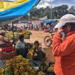Urubamba stop for fruits